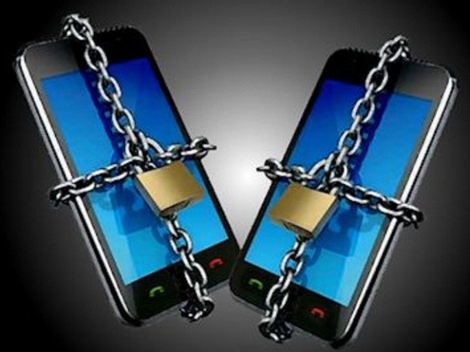 secure smartphone chain lock unlock