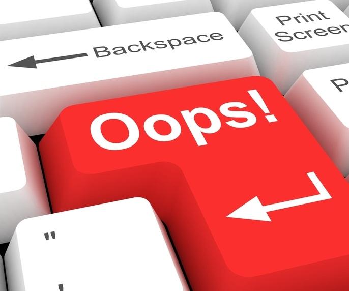 Oops computer error - Shutterstock: © alp33