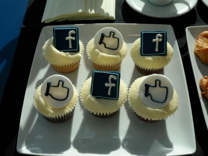 Facebook London Cakes