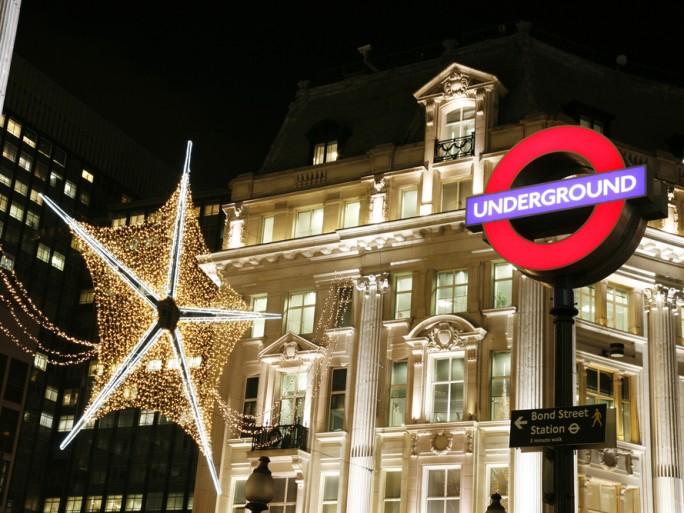 London underground tfl christmas star lights © Bikeworldtravel Shutterstock