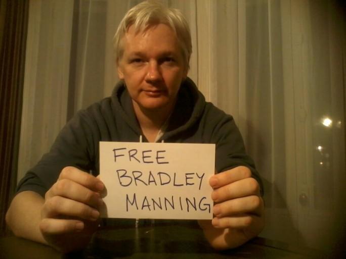 Julian Assange, Manning