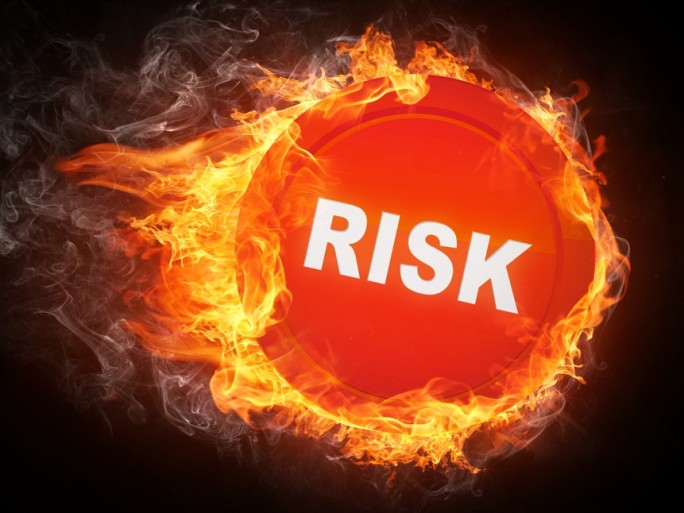 Risk Fire - Shutterstock - © RAStudio