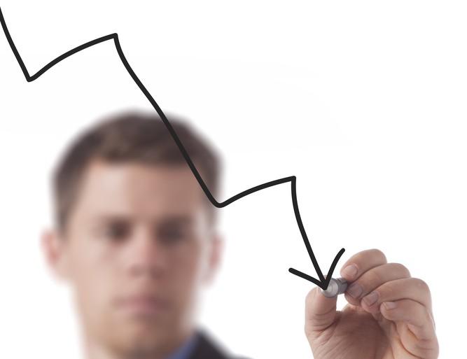 graph, figure money financial decrease downturn © Prixel Creative Shutterstock