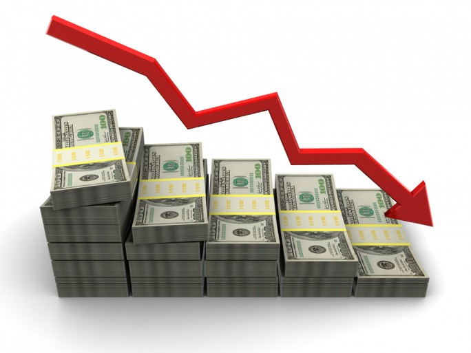 graph figure decrease downturn money results © Mmaxer Shutterstock
