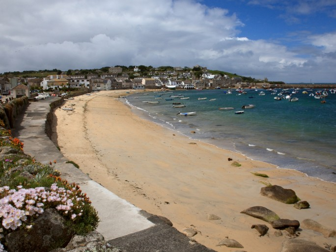 isles of scilly cornwall broadband © James LePage Shutterstock