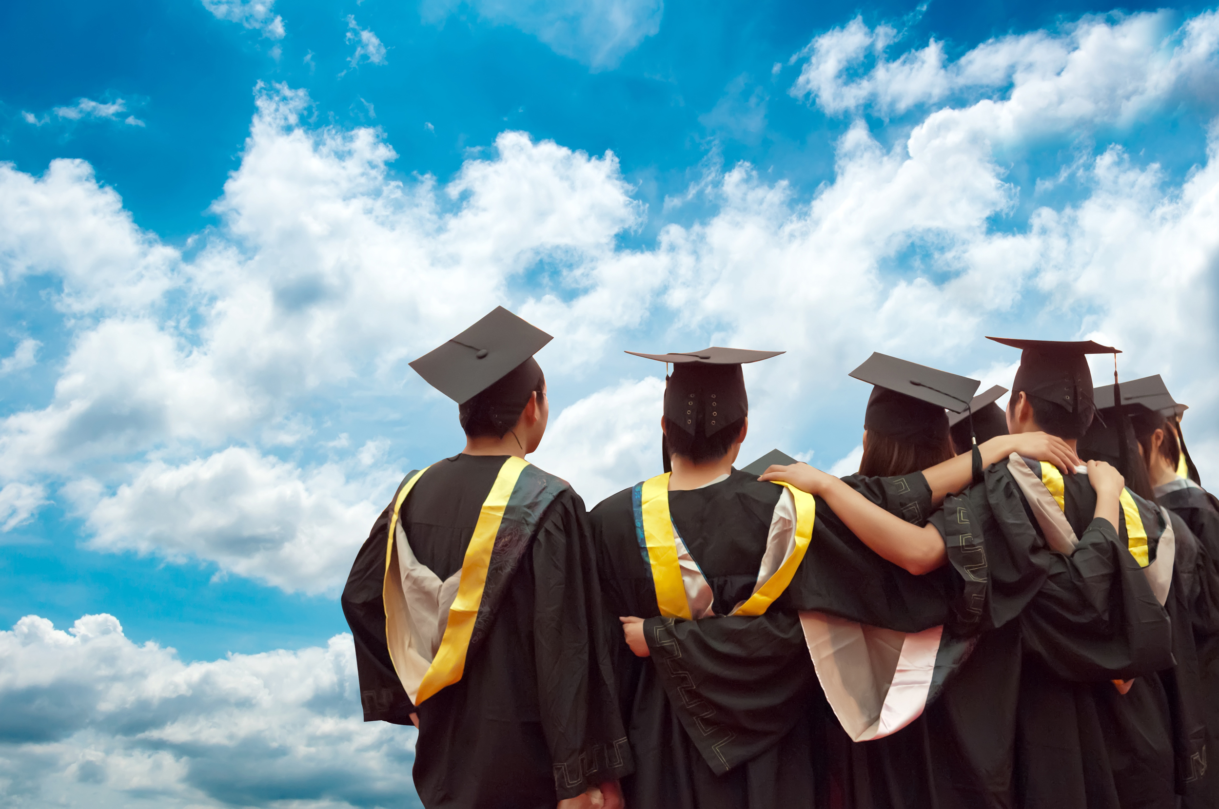 cloud education student janet graduate university © Shutterstock gui jun peng