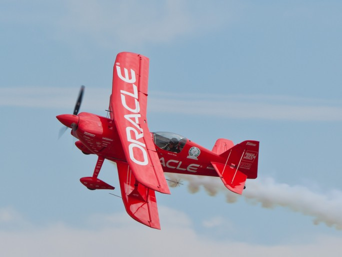 Oracle cloud biplane aircraft © Anatoliy Lukich Shutterstock