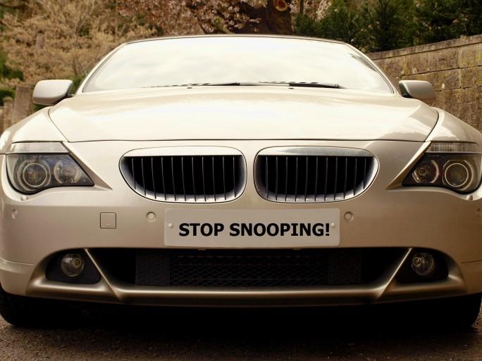 Car - Shutterstock - © 1000 Words