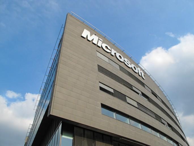 Microsoft - Shutterstock - © Peteri