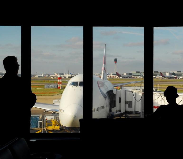 UK border Heathrow plane - Shutterstock - © Regien Paassen