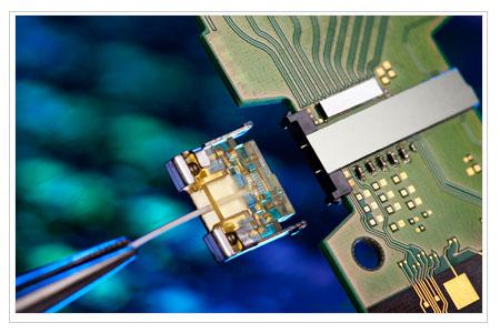 Intel MX connector silicon photonics