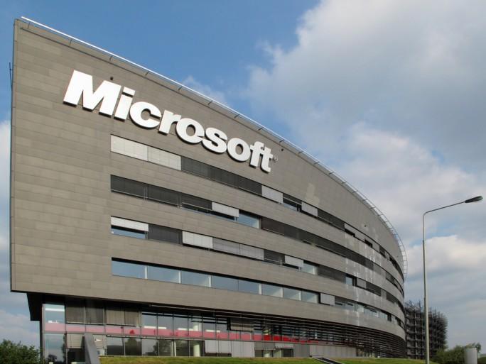 Microsoft headquarters cloud © Peteri shutterstock