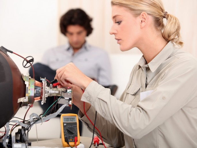 women tech engineer repair recycle © auremar Shutterstock