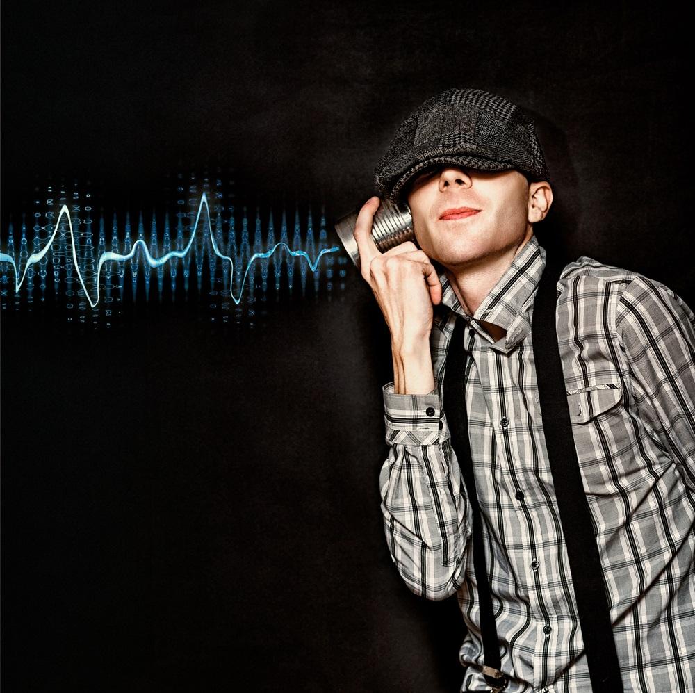 Audio listen - Shutterstock - © Ryan Jorgensen - Jorgo