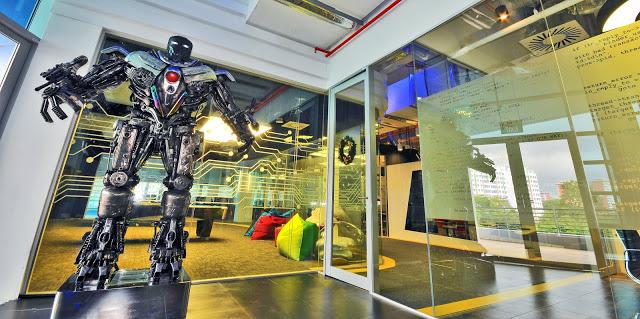 google singapore data centre robots