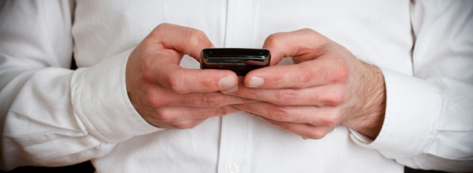 texting smartphone SMS ©shutterstock B Calkins