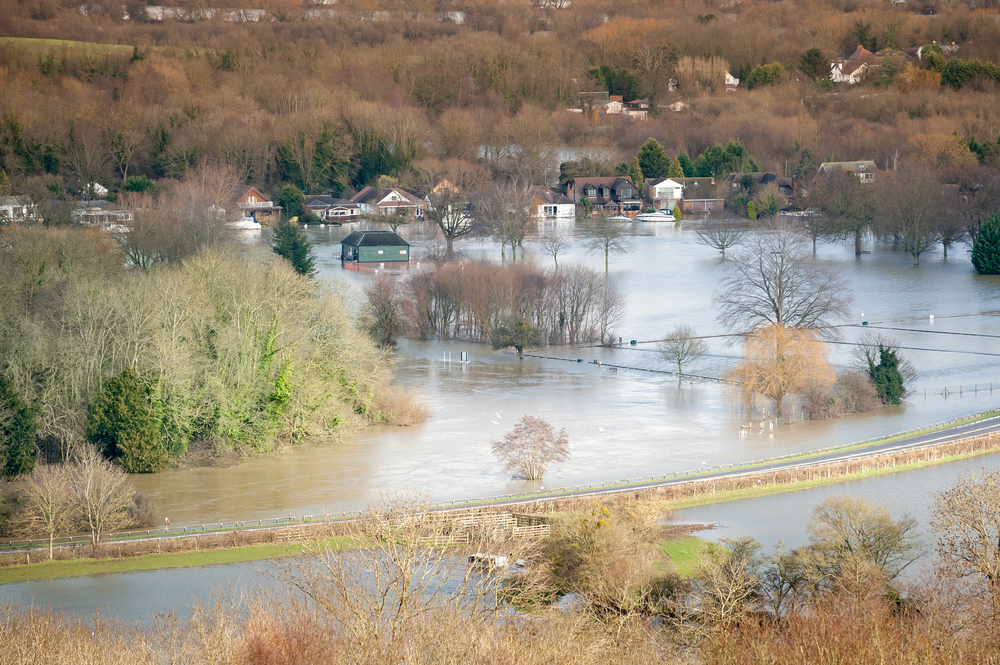 Thames valley flood February 2014 disaster © Steve Mann Shutterstock