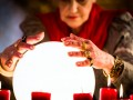Oracle crystal ball prediction analysis forecast market share © Kzenon shutterstock