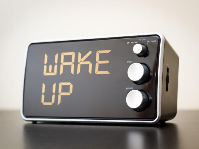 Alarm wake up clock Ethernet Wake on LAN Shutterstock