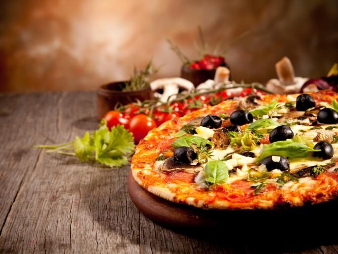 pizza food takeaway © Jag_cz Shutterstock