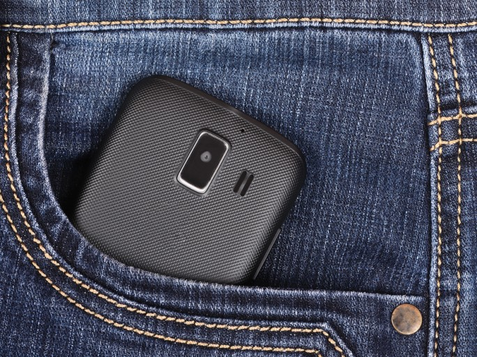 trousers pocket pants phone charging wearable © stieberszabolcs Shutterstock