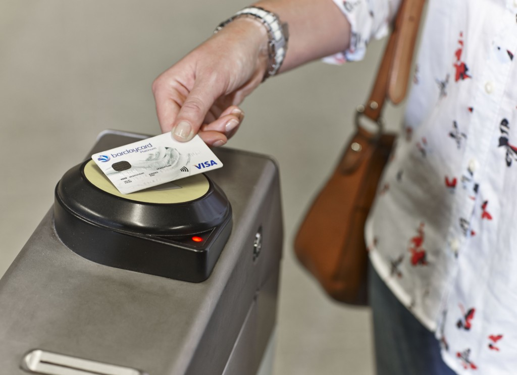 Tube TfL contactless Barclaycard (2)