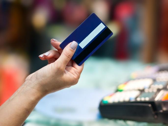credit card payment ©dean bertoncelj /shutterstock.com