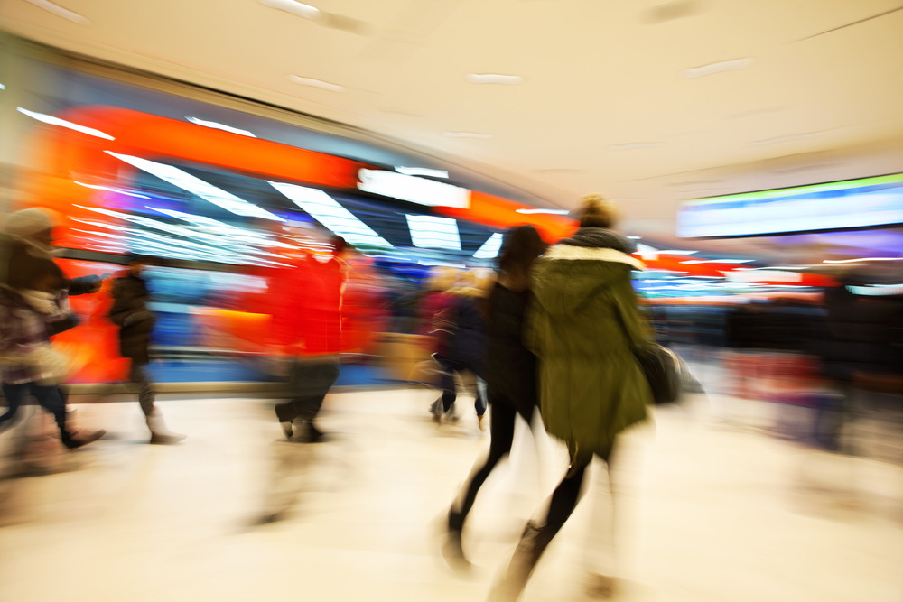 shoppers high street ©ABC Photo/shutterstock