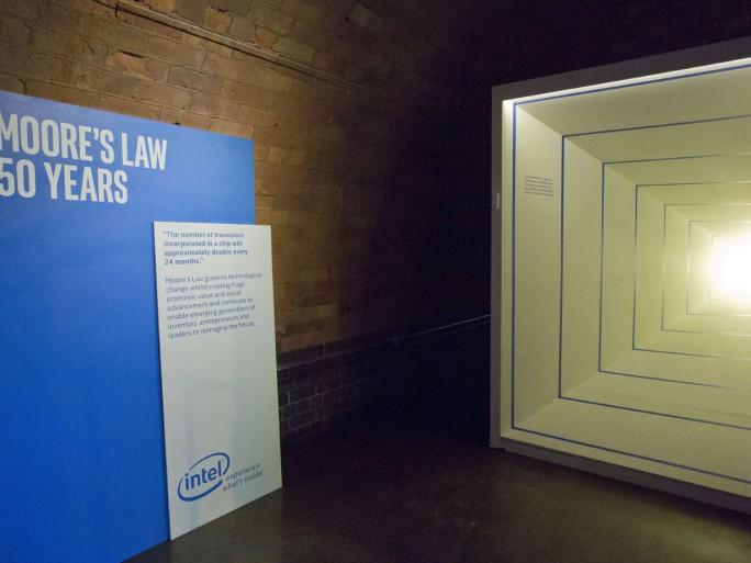 Intel Future Showcase - Moore's Law