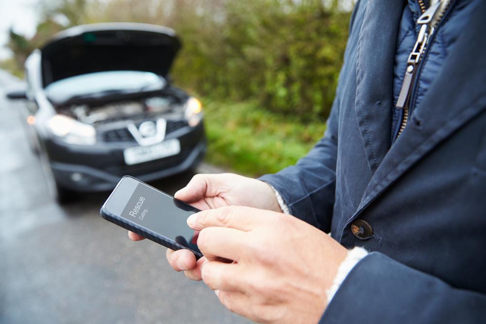 car breakdown phoning