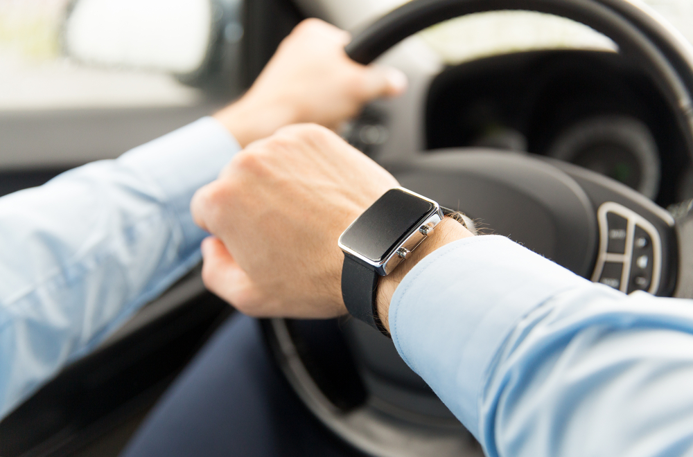 smartwatch driving car