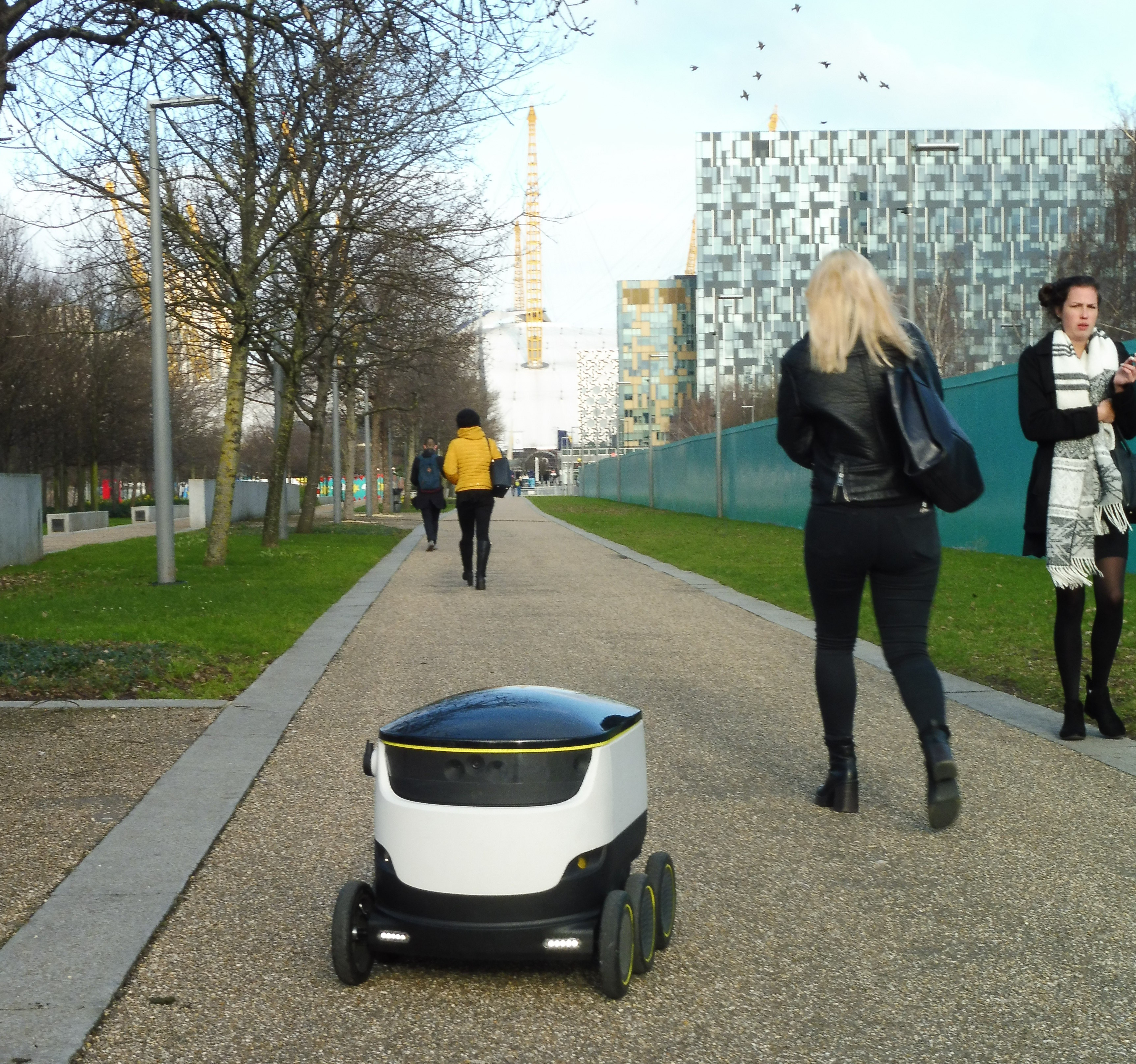 starship technologies delivery robots2