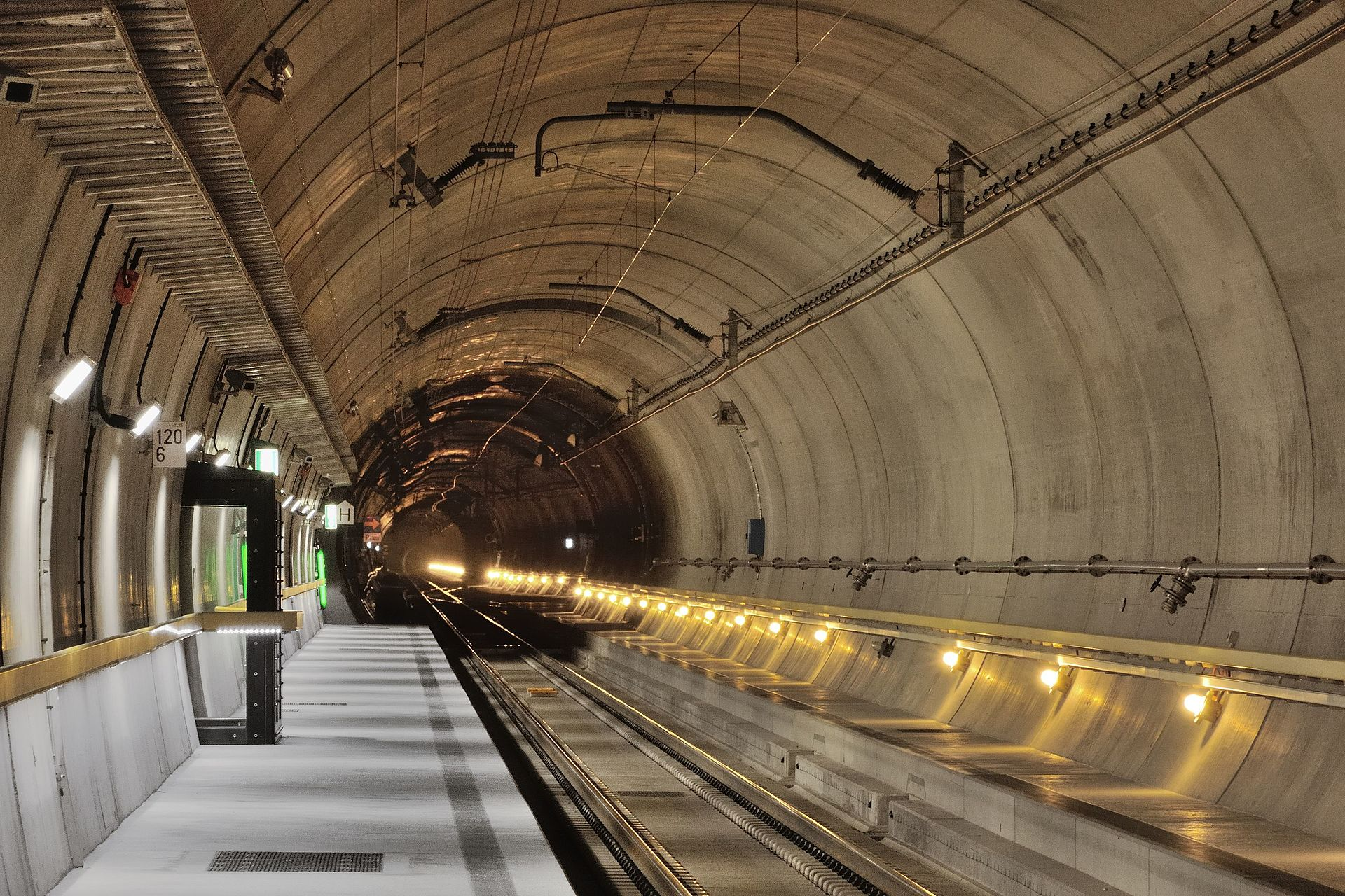 Gotthard Base Tunnel How Iot Keeps World S Longest Rail