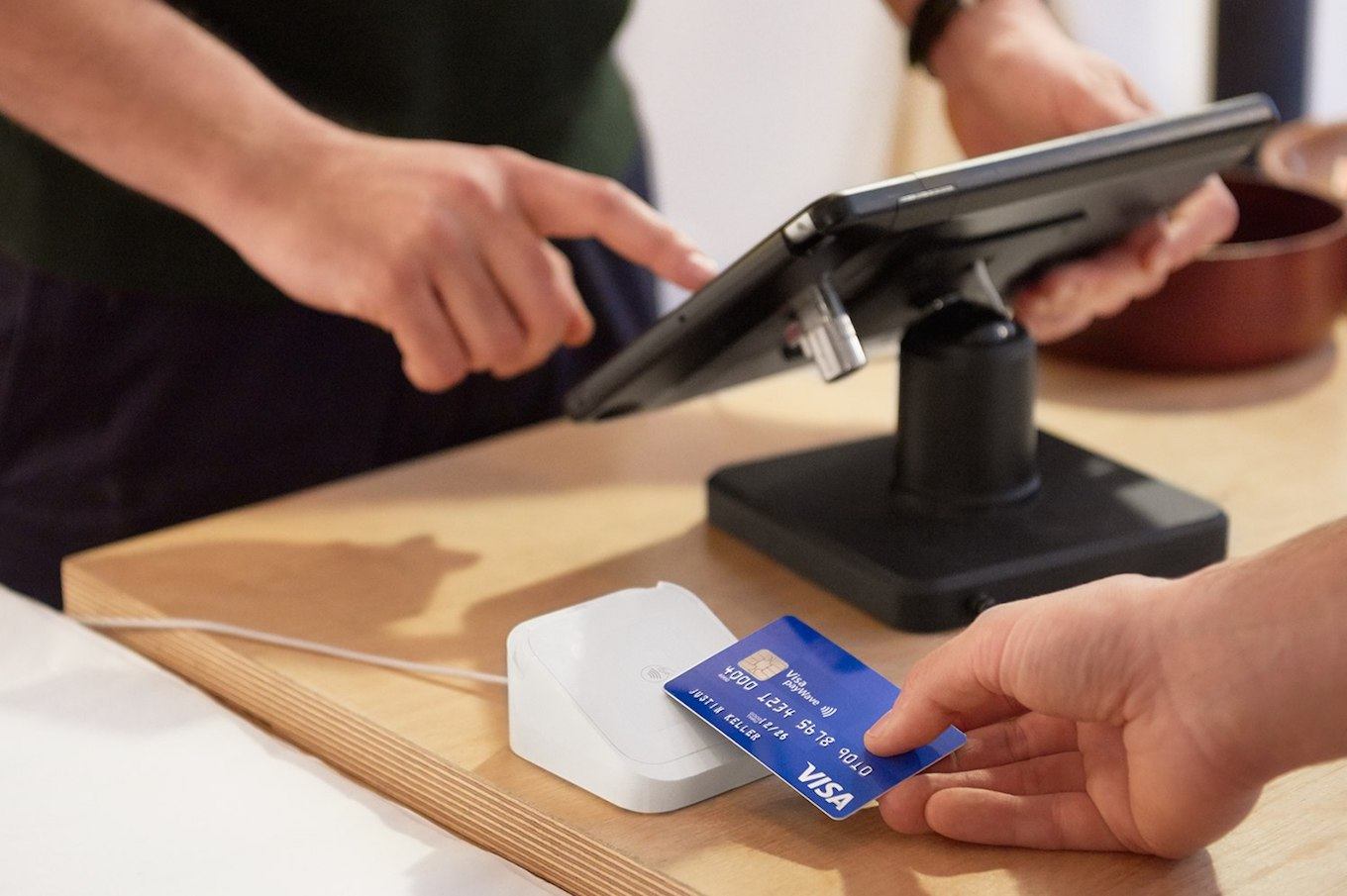 Jack Dorsey's Square Mobile Payment System Arrives In UK