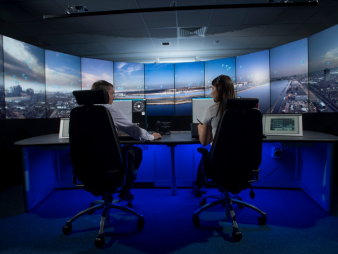 London City airport, air traffic control
