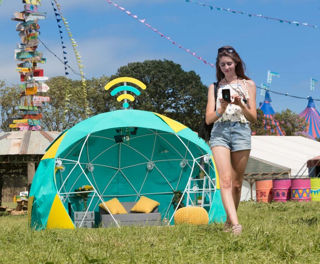 4GEE Smart Tent at Glastonbury (5)