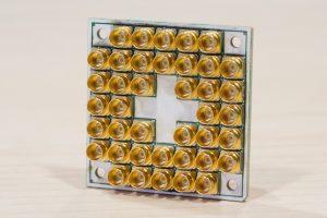 Intel-Quantum-17-Qubit-2-300x200