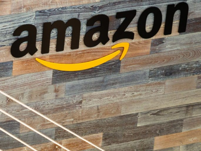 Indian-origin activist held for shouting at Bezos