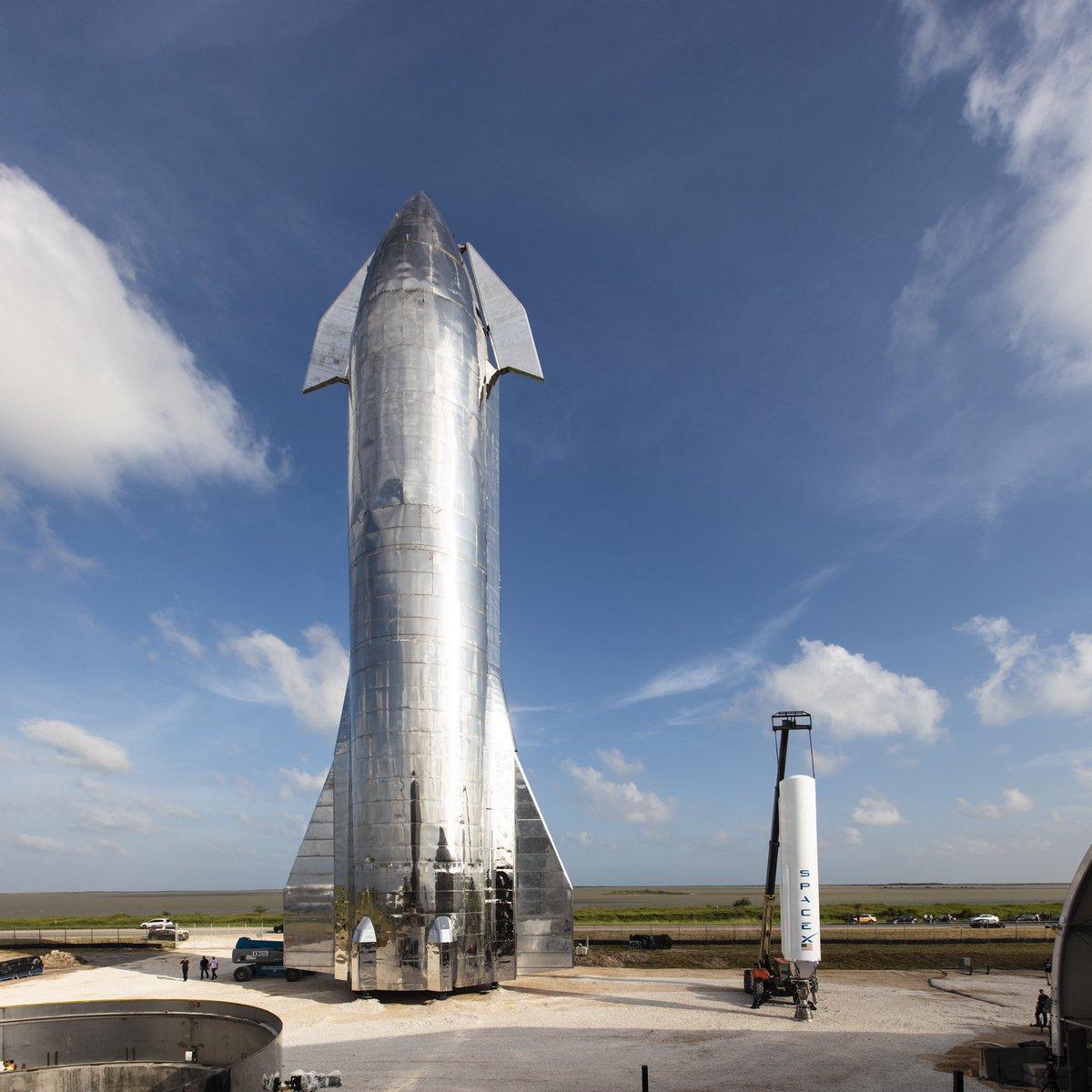 SpaceX spaceship prototype.  Image Credit: SpaceX