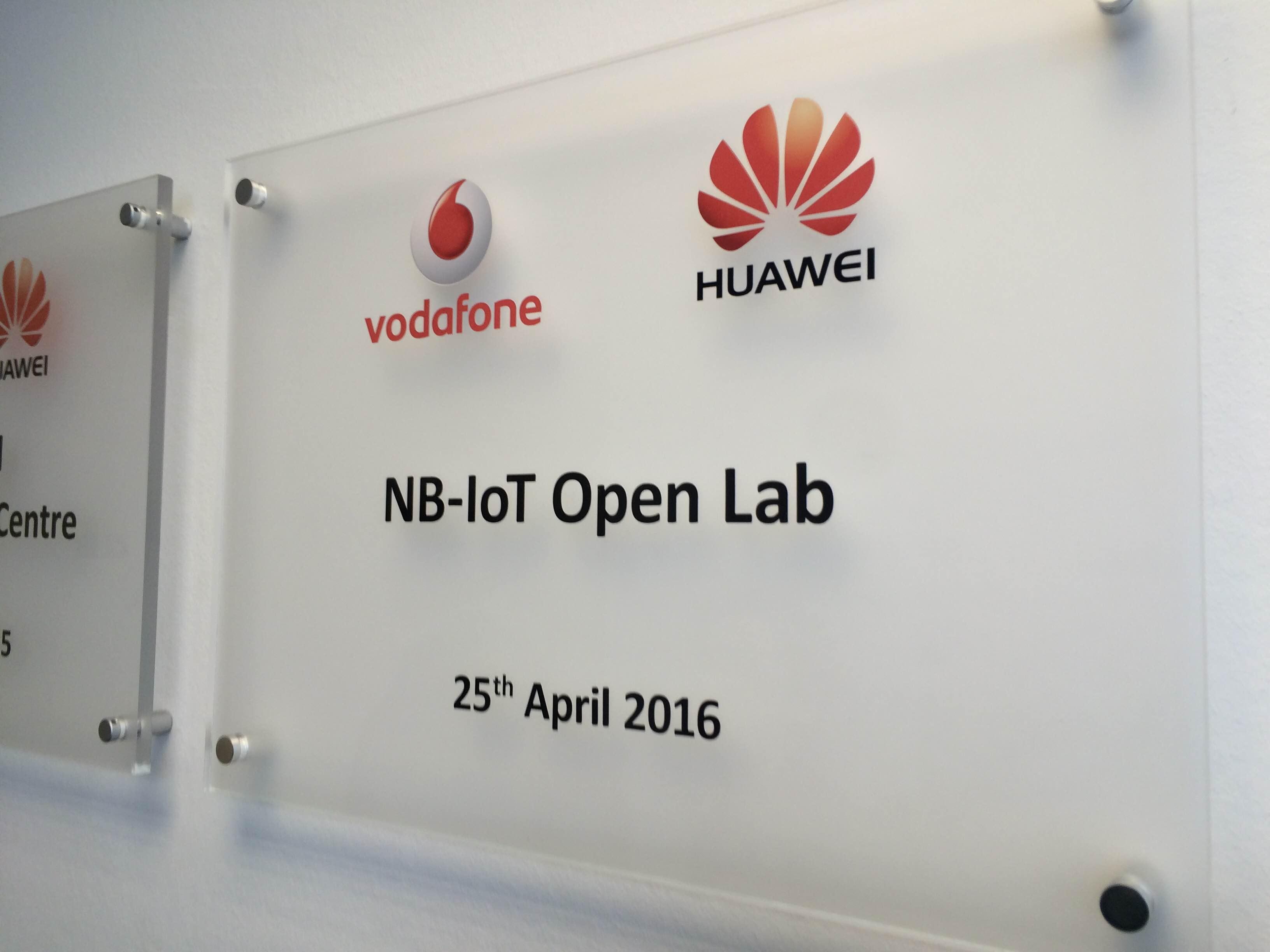 Huawei Vodafone NB-IoT Lab (2)