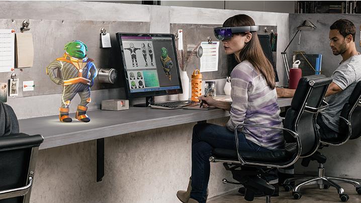 Microsoft HoloLens 7